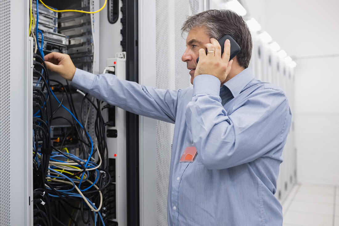 Telephone engineer in luton office
